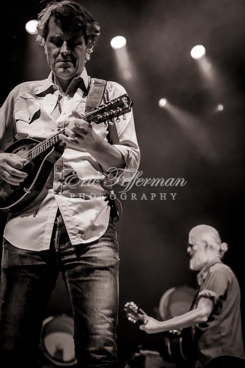 Blue Rodeo / Terra Lightfoot, Molson Ampitheatre, Toronto Canada 8/20/16 photo © eric fefferman